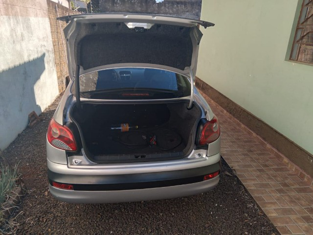 Troco/Vendo Peugeot 207 Sedan Passion XR Sport 1.4 8V (flex) - Foto 13