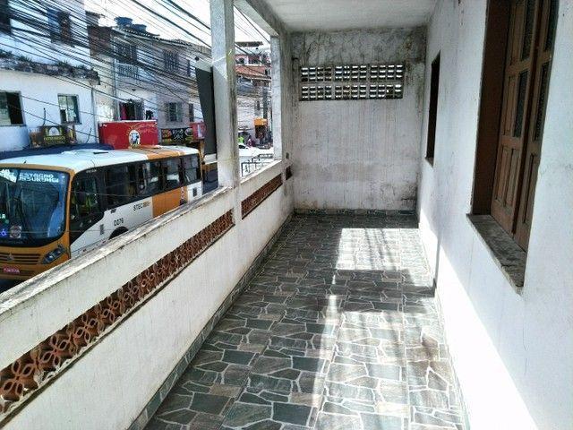 Casa antiga 1° andar em Itapuã, frente de rua 2/4 R$115.000,00 - Foto 5