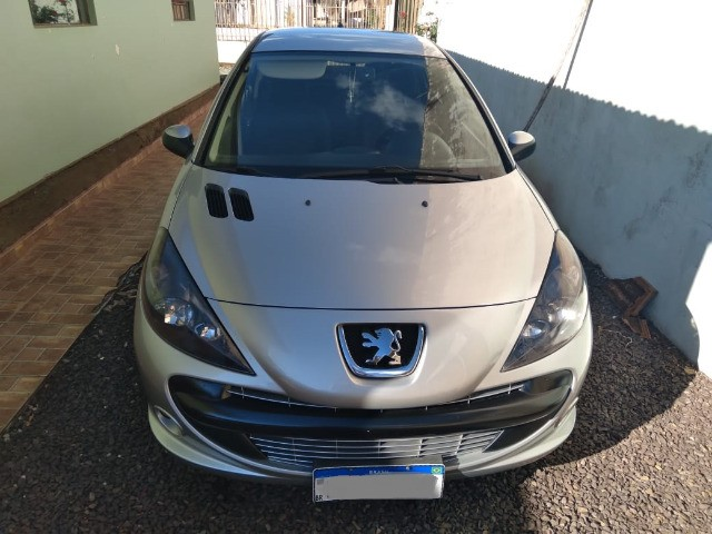 Troco/Vendo Peugeot 207 Sedan Passion XR Sport 1.4 8V (flex)