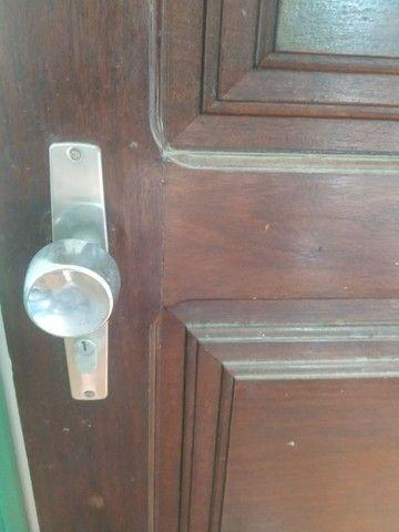 Porta antiga em madeira - Foto 4