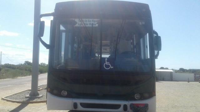 Ônibus 2006 - Foto 2