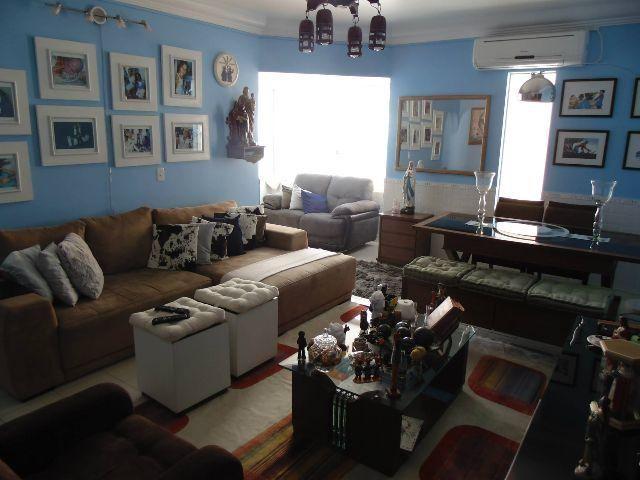 Apartamento no Rio Vermelho, 3 quartos, 2 garagens cobertas e independentes