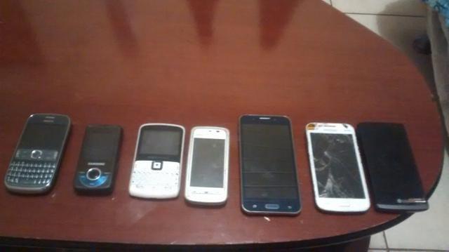 7 celulares todos com defeito