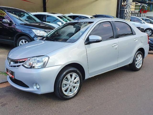 Toyota Etios Sedan 1.5 XLS Flex automático único dono 2017