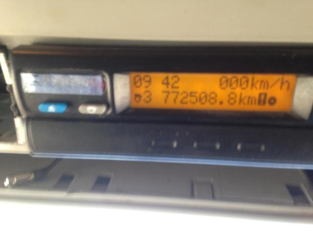 Iveco 740S46T 2011 6x4 automática Teto Alto - Foto 7