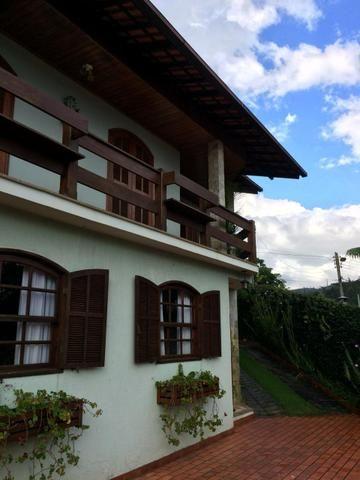 Casa com 04 quartos na Chácara do Paraíso à 2,5kms do centro