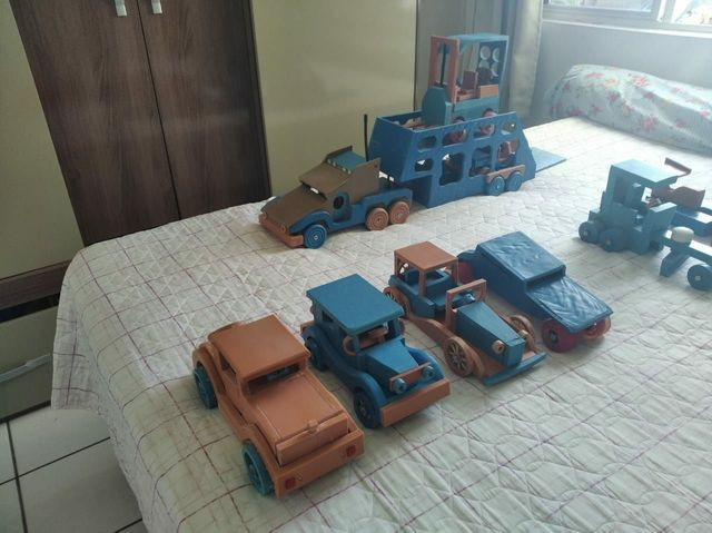 Brinquedos em PVC (CARROS) - Foto 5