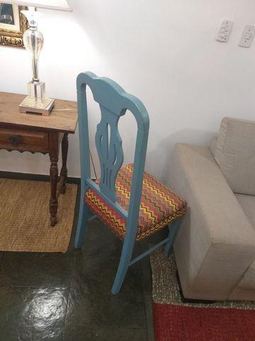 Vendo cadeira retro madeira  - Foto 2