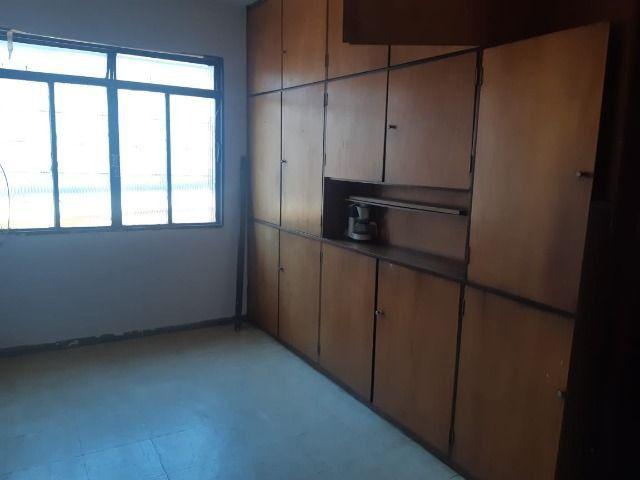 Casa - 4 quartos, setor dos funcionários, ótima oportunidade - Foto 6