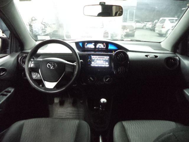 Toyota Etios Sedan 1.5X Flex Completo 2017 Cinza - Foto 8