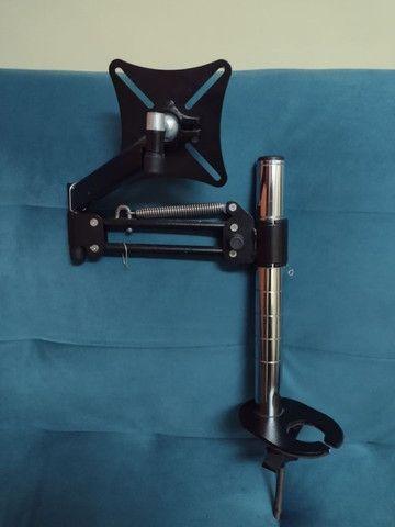 Suporte Para Monitor Articulado de mesa - suporta até monitores de 29 polegadas - Foto 2