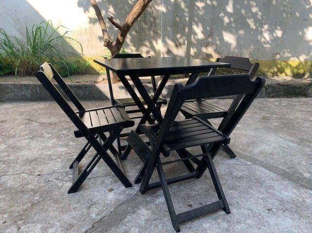 Mesa de madeira com cadeiras para seu bar, jogos de mesas. Conjunto de mesa  - Foto 2