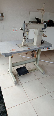 Maquina de pesponto de uma agulha  com guia e luz de led   - Foto 2