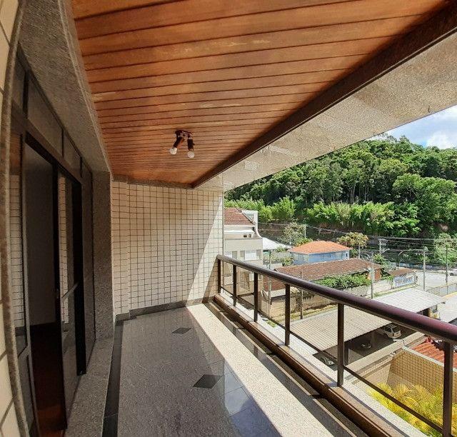Apartamento com 180m², o melhor 3 quartos de Friburgo, no centro em rua nobre - Foto 7