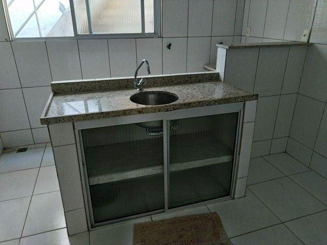 Casa antiga 1° andar em Itapuã, frente de rua 2/4 R$115.000,00 - Foto 12