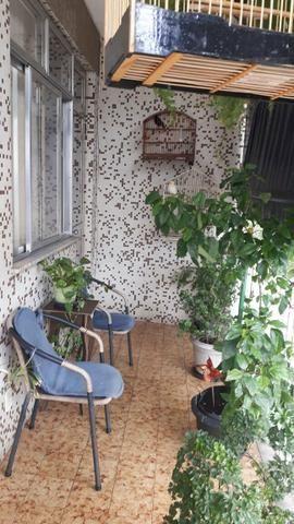 Apartamento com 2 quartos e dependência completo no melhor ponto de Cascadura