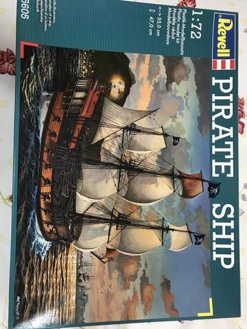 Navio Pirata Revell 1:72