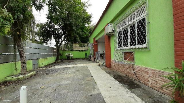 Alugo casa uso comercial 6 qts 4 banehiros 600m2 4 vgs