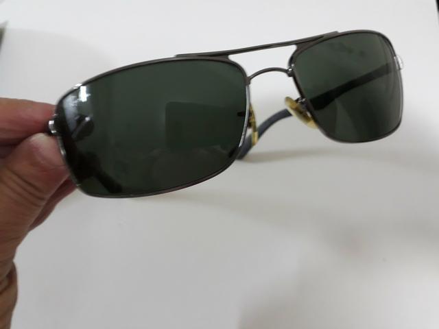 f7e2f44a7 Óculos Ray Ban Original . e de brinde um Chilli bin novo ...
