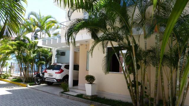 Venda casa Duplex no centro, em condomínio fechado. Aproveite!!