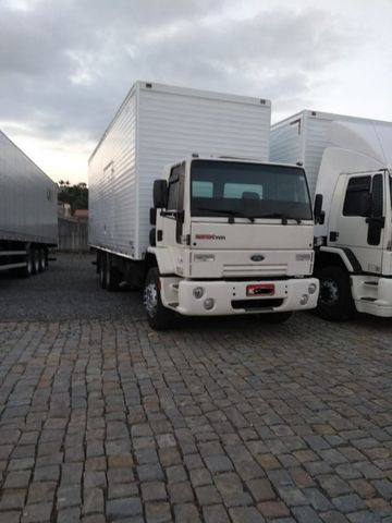 Ford Cargo 2422 (2004)