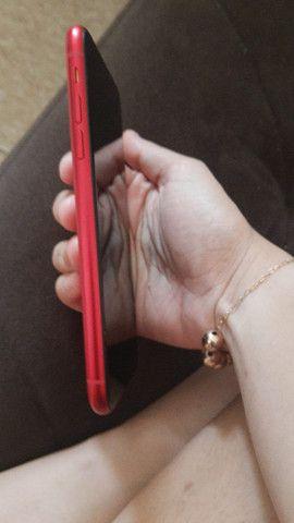 Vendo IPhone 11 vermelho - Foto 2