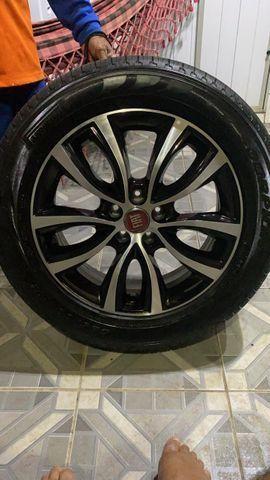 RODA + pneus da Fiat toro ultra