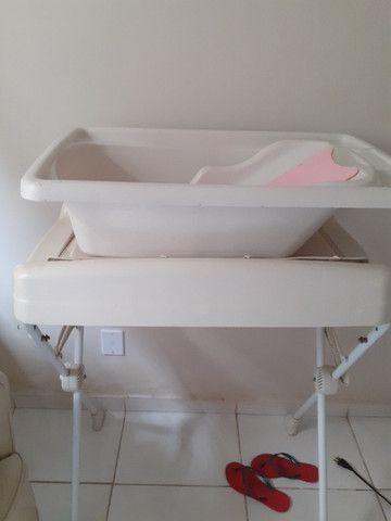 Poltrona de amamentação,banheira com trocador e bebê conforto - Foto 3