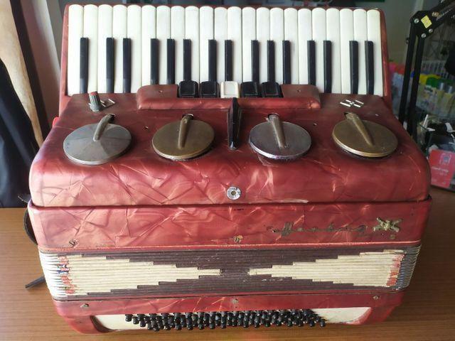 Sanfona acordeon Hering 80 baixos