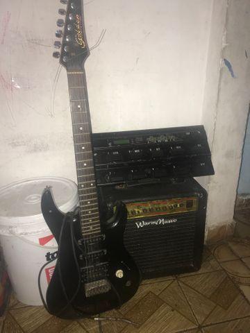 Guitarra caixa e pedaleira