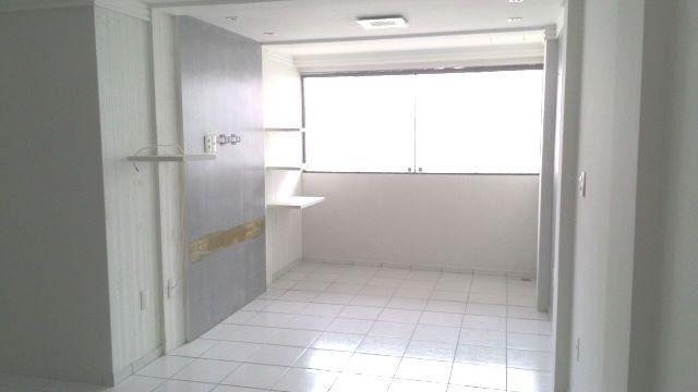 Apartamento nos Bancários com 2 qtos, sendo 1 suíte e escritório! - Foto 10
