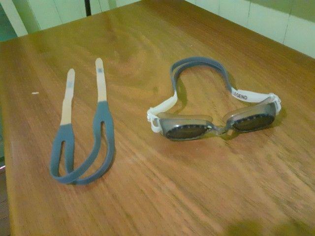 Vendo óculos de natação praticamente novo e com alça reserva - Foto 3