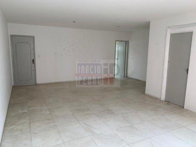 [A31423] Apartamento com Sala Ampla, 3 Quartos sendo 1 Suíte. Em Boa Viagem !! - Foto 4
