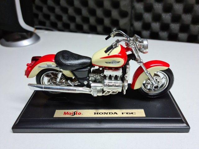 Honda F6C escala 1 18 mini Maisto