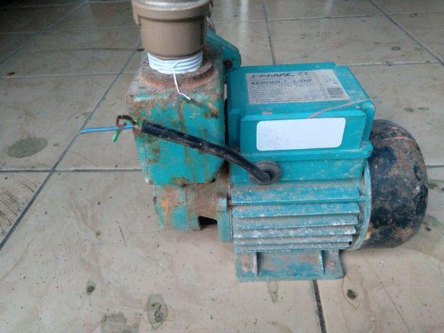 Bomba periférica auto aspirante da marca FAMAC  - Foto 2