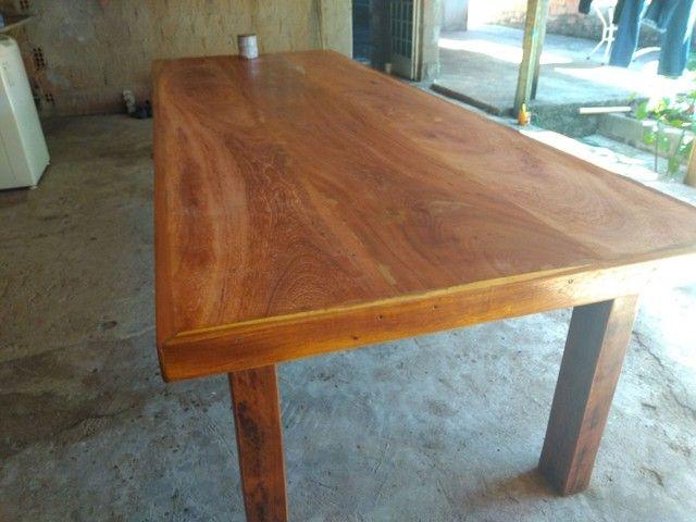 Vendo mesa de madeira maciça  Angelin pedra - Foto 5