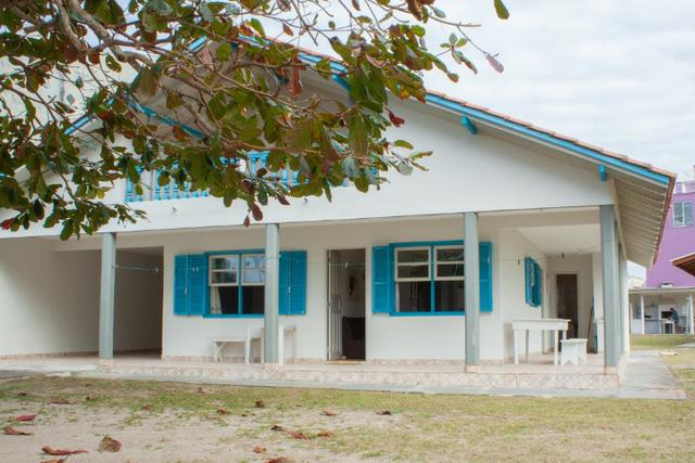 Casa 4 quartos à beira mar 1ª Pedra - Itapema do Norte Itapoá