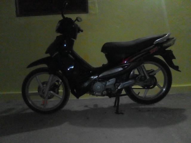 Moto dafra/zig ano 2011, 100cc pra trocar em 50cc