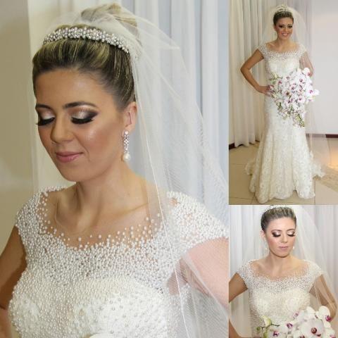 Vestido de noiva bordado em pérolas