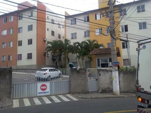 Aluga-se Apartamento Mobiliado em Santa Marta - Vitória