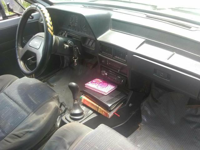 Vende-se um carro ou troco por um fechado - Foto 2