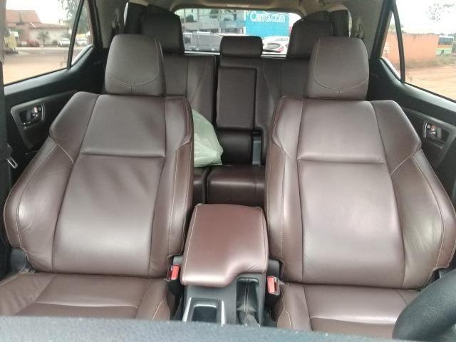 Toyota SW4 SRV 4X4 7 Lugares - Foto 6