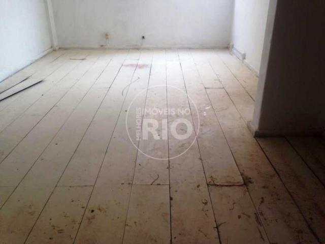 Kitchenette/conjugado à venda com 0 dormitórios em Grajaú, Rio de janeiro cod:MIR2670