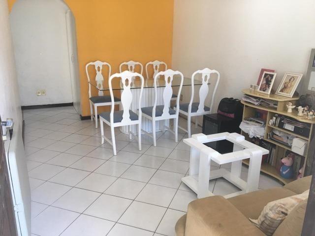 Casa em Buraquinho para fins comerciais