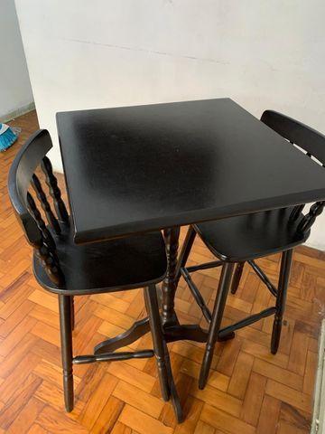 Mesa Bistrô - 2 Cadeiras de Madeira - Foto 2