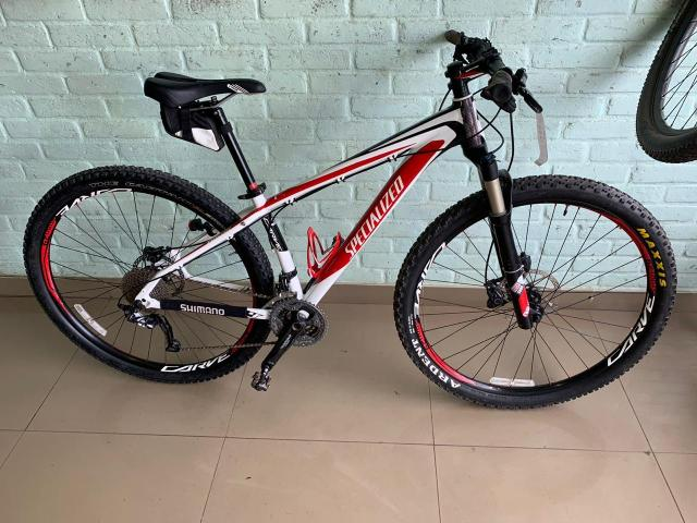 Bicicleta (troca iPhone 11 max pro)