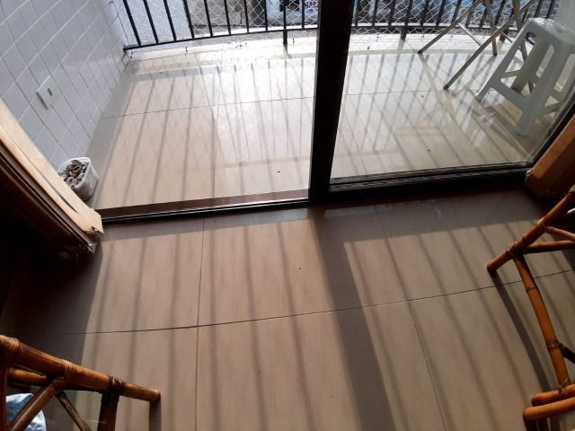 Lindo Apartamento de 2 dormit com sacada região Tortugas - Foto 6