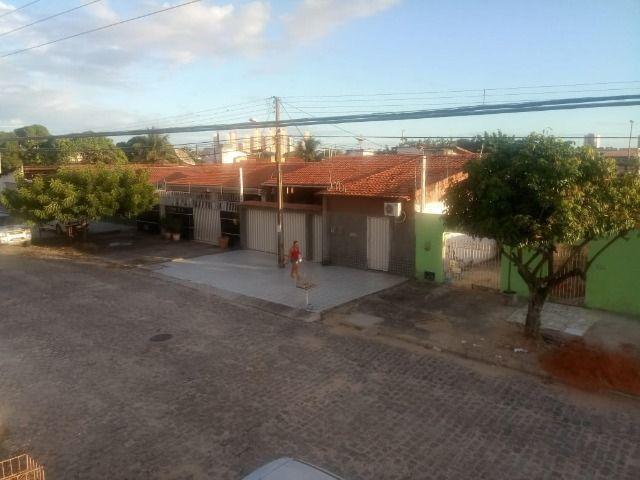 Casa espaçosa e mobiliada em Capim Macio com 3 quartos - Foto 3