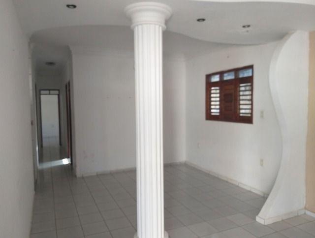 Vende-se uma excelente casa no bairro Nova Betania - Foto 2