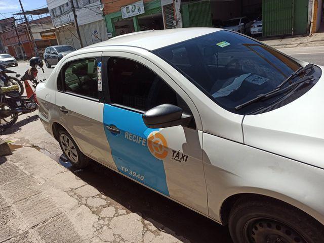 TAXI RECIFE VOYAGE 2014 1.6 COM GAS (carro e praça transferivel) - Foto 2